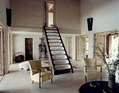 unique treppengestaltung wohnzimmer tisch dekoideen sessel