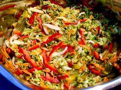 Sałatka w słoiku Pickles, Salads, Ethnic Recipes, Food, Spice, Diet, Meal, Spices, Essen
