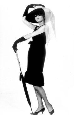 Google Image Result for http://www.arts-wallpapers.com/photos/audrey-hepburn/images/audreyhepburn_19181.jpg