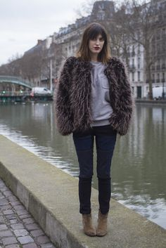 Fur and beige boots, denim
