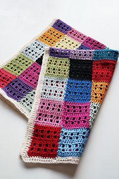 Freebie pattern: so colourful, love it. Thanks so for sharing xox http://www.fairystepsblog.com/2010/07/fairystepsknits-love-blanket.html