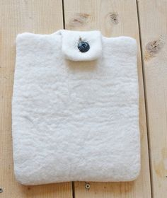 DIY Felted wool iPad case
