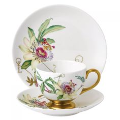 a very modern English China/Porcelain for afternoon tea at Rose cottages and gardens, Britain, [ the 'Floral Eden Passion Flower' by 'Wedgwood'] Tea Cup Set, Cup And Saucer Set, Tea Cup Saucer, China Cups And Saucers, Teapots And Cups, Teacups, Vintage Cups, Vintage Tea, Rose Tea