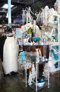 Beautiful Christmas decor ideas ~ #rentals #Christmas #penguin #okc #EventuresInc