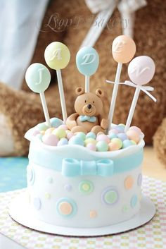 Replace bear with DUCK - Teddy Bear & Lollipop Birthday Cake Beautiful Cake Pictures, Beautiful Cakes, Amazing Cakes, Gateau Baby Shower, Baby Shower Cakes, Bolo Laura, Baby Birthday Cakes, Lollipop Birthday, Cake Baby