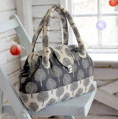 Sew What? by Debbie Shore: Todays make! A carpet bag