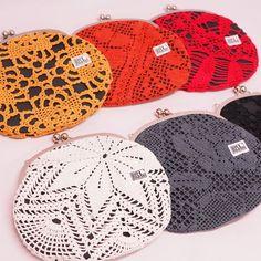 Iso kukkarolaukku | Weecos Crochet Hats, Bags, Knitting Hats, Handbags, Taschen, Purse, Purses, Bag, Totes