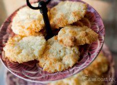 Galletas de coco Chilean Recipes, Chilean Food, Coconut Cookies, Cookies Ingredients, Shredded Coconut, Fabulous Foods, Cornbread, Sweet Tooth, Bakery