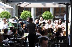 """Ambiance """"Comedia dell'Arte"""" au Festival d'Avignon, avec la SACD (la société d'auteurs spécialisée dans les arts de la scène). http://www.sacd.be/Home_fr?lang=fr"""