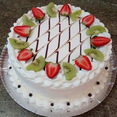 ideas fruit cake ideas birthday dessert recipes for 2019 Decoration Patisserie, Dessert Decoration, Cake Decorating Piping, Cupcakes Decorating, Decorating Ideas, Fresh Fruit Cake, Cake Recipes, Dessert Recipes, Birthday Desserts