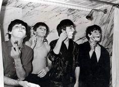 Artigo: 50 fotos estranhas dos Beatles por Débora Blezer - Revista Cifras
