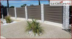 Cloture en aluminium pose sur muret - séparation Gabion Fence Design, Garden Gates, Garage Doors, Construction, Outdoor Structures, Outdoor Decor, Plants, Fences, Gardening
