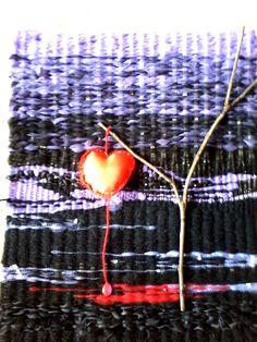 Tapíz realizado en telas y plásticos.www.crochetvintage.blospot.com.ar