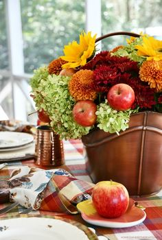 Falling for Apples Transitional Fall Table | ©homeiswheretheboatis.net #fall #tablescapes #apples #plaid #sunflowers Flower Centerpieces, Flower Arrangements, Fall Table Settings, Autumn Table, Printed Napkins, Autumn Summer, Dinner Plates, Safe Food, Tablescapes