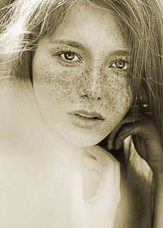 Freckles compliments the face so beautifully. #Freckles #Beauty