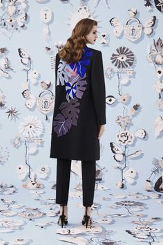 Schiaparelli Fall 2016 Ready-to-Wear Fashion Show