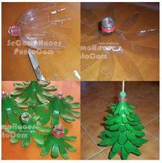 Sapin de Noël en bouteilles recyclées.