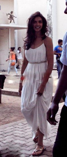 Deepika Padukone in Hot casuals :)
