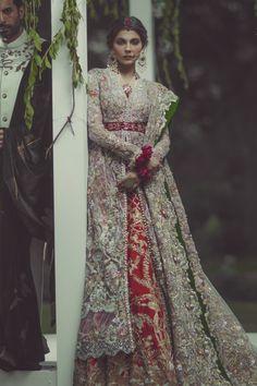 http://highfashionpakistan.tumblr.com/post/153476070094/photoset_iframe/highfashionpakistan/tumblr_oh01kbL1iB1sqityh/500/false