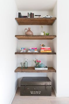Afbeeldingsresultaat voor houten planken met schors