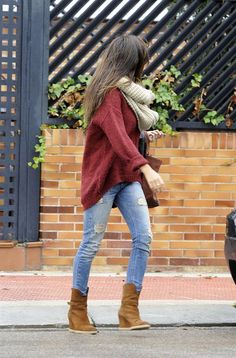 Steal my look -Street style | Oversize sweater, scarf and wedge boots