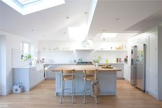 Competitively priced painted kitchen cabinets and painted kitchen units, available throughout London, Wisbech, Cambridgeshire, East Anglia and surrounding areas.