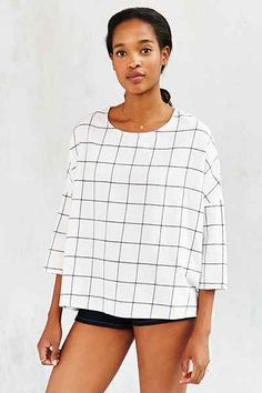 BDG Extreme Boxy Blouse - Urban Outfitters