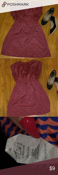 Soprano Sleeveless  Dress. Can be dressed up or down. Can also be worn with leggings! Sleeveless. V-neck. Elastic around waist. Soprano Dresses