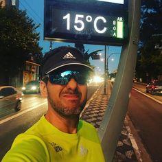 Bom dia pra quem já saiu no frio de shorts e camiseta pra treinar!! VAMOOOOOOOO!!! #acordapracorrer