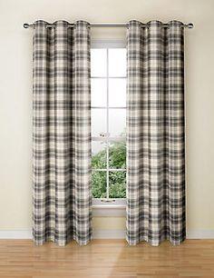 Check Curtain