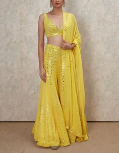 Shop Latest Mirror Work Lehengas From These Designers - With Prices! Shop Latest Mirror Work Lehengas From These Designers - With Prices! - Shop Latest Mirror Work Lehengas From These Designers - With Prices! Party Wear Indian Dresses, Indian Wedding Wear, Designer Party Wear Dresses, Indian Fashion Dresses, Indian Bridal Outfits, Indian Gowns Dresses, Dress Indian Style, Indian Designer Outfits, Designer Wear