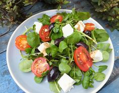 This watercress, tomato and feta salad can be thrown together in a couple of minutes so it's ideal for quick lunches, barbecue parties, picnics and so on. Feta Salad, Caprese Salad, Salads, Recipes, Food, Eten, Salad, Recipies, Ripped Recipes