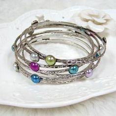 Faux-Pearl Bangle Silver - One Size