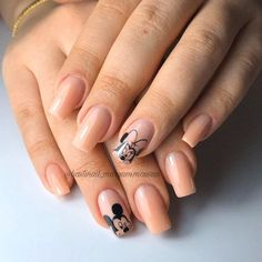 Inspiring Disney Nails Ideas For You To Try Mickey Mouse Nail Art, Minnie Mouse Nails, Mickey Nails, Disney Acrylic Nails, Pink Acrylic Nails, Cure Nails, Gel Nails, Nail Manicure, Simple Disney Nails