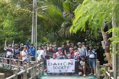 Awesome picture from the DAHON Society Thailand group ride! Wish we were there