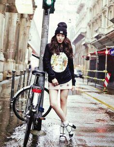 Girls Generation(SNSD) Yuri & Tiffany Graces Vogue Girl of 2014 February Issue . Snsd Fashion, Pop Fashion, Asian Fashion, Girl Fashion, Street Fashion, Fashion Design, Girls Generation, Girls' Generation Tiffany, Tiffany Girls