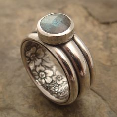 "Ring | Chuck Domitrovich of Down to the Wire Designs.  ""Secret Garden"".  Sterling silver and labradorite"
