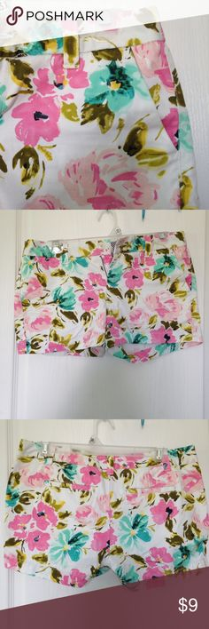 Merona flowered shorts Adorable flowered shorts from Target. White background with pink & blue flowers. Size 2, excellent condition. Merona Shorts