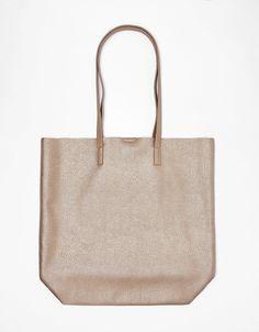 f78d7d638 Mala shopper soft - Bolsas - Bershka Portugal Mulher, Tote Bags Metálicas,  Acessórios De