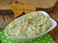 Zucchini Salad with Yogurt Easy Salad Recipes, Easy Salads, Crab Stuffed Avocado, Light Summer Dinners, Cottage Cheese Salad, Turkish Recipes, Ethnic Recipes, Salad Dishes, Seafood Salad