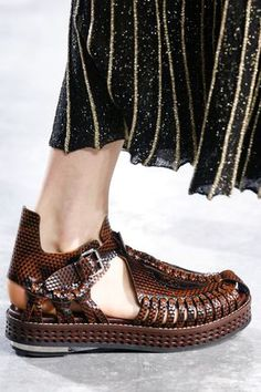 Proenza Schouler Flats SS2014 http://www.lelook.eu/en/news-fashion_week_shoe_trend__flats-749.html?utm_source=Lelook+weekly+newsletter&utm_campaign=b319233b04-Newsletter_Test_11_23_2013&utm_medium=email&utm_term=0_a5e5f9e534-b319233b04-76724913