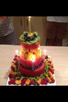 The New Healthy Birthday Cake.From Eat Clean. Healthy Birthday Cakes, Fruit Birthday Cake, Healthy Cake, Happy Healthy, Healthy Food, Healthy Eating, Birthday Treats, Vegan Cake, Healthy Weight
