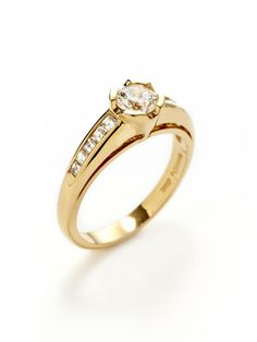 Round & Square Cut Diamond Ring