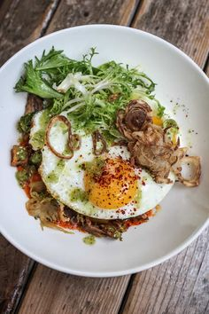 The ultimate guide to the best breakfast and brunch in Austin! Featuring 20 different restaurants that serve up the absolute best early bites in town. Best Breakfast In Austin, Austin Brunch, Brunch Spots, Travel Goals, Austin Texas, Good Food, Restaurant, Female, Places