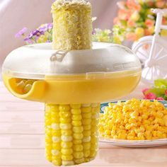 Easy Peel One Step Corn Stripper Threshing Device Features: - Brand new and high quality. - Plastic shell and wavy stainless steel blade design. - Fit perfectly around corn contour. - Comfortable shap