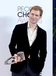 Joseph Morgan Photos: Press Room at the People's Choice Awards