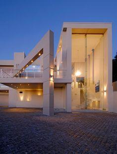 Mcg | Nico Van Der Meulen Architects