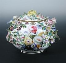 Attributed to Minton, a mid 19th century. Est 1440 SEK. Cheffins auction. Barnebys.se