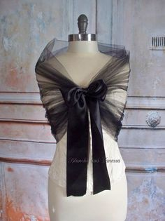 Black Tulle Wedding Shawl Bridal Tulle Shrug by LucilleandIrma Wedding Skirt, Wedding Shawl, Tulle Wedding, Evening Shawls, Women's Evening Dresses, Shrug For Dresses, Mother Of Groom Dresses, Casual Skirt Outfits, Scarf Jewelry