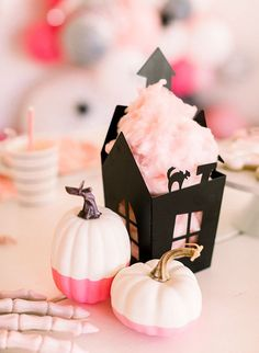 A Kids Pink Haunted Mansion Halloween Party - Inspired By Th Pink Halloween, Modern Halloween, Cute Halloween Costumes, Halloween Party Decor, Pretty Halloween, Holidays Halloween, Halloween Kids, Halloween Themes, Halloween Crafts